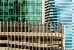 Il grattacielo mura il fondo Immagini Stock Libere da Diritti