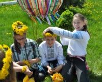 Il gruppo di folclore del ` s dei bambini sta preparando per la Pasqua più libera fotografia stock libera da diritti