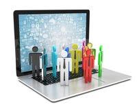 Il gruppo di persone dipende il computer portatile Immagine Stock Libera da Diritti