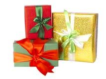 Il gruppo di presente e di contenitori di regalo ha isolato immagini stock