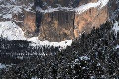 Il gruppo di Sella con neve nelle dolomia italiane Fotografia Stock