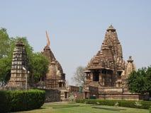 Il gruppo occidentale di tempie di Khajuraho, un chiaro giorno, Madhya Pradesh India è un sito del patrimonio mondiale dell'Unesc immagine stock