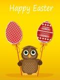 Il gufo tiene l'uovo decorato Pasqua su un bastone multicolored Vettore Cartolina d'auguri royalty illustrazione gratis