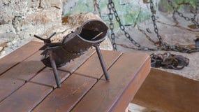 Il highboot per tortura dalla prigione sotterranea del astle di Spissky Immagine Stock