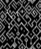 Il ikat geometrico astratto etnico consumato modella in bianco e nero, vettore Fotografia Stock