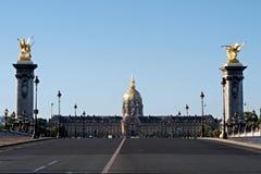 Il Invalides dal ponticello del Alexander III, Parigi Fotografia Stock