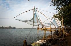 Il Kochi, Kerala, India - 2017 - reti da pesca nel simbolo di Cochin fotografia stock libera da diritti