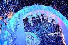 Il ` la s Eve Lighting del nuovo anno rende la gente felice immagini stock libere da diritti