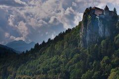 Il lago alps di Julian dentro ha sanguinato in Slovenia Fotografia Stock