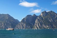 Il lago garda (Lago di Garda) in Italia Fotografie Stock Libere da Diritti