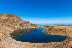 Il lago kidney è uno dei sette laghi Rila Montagna di Rila, Fotografie Stock