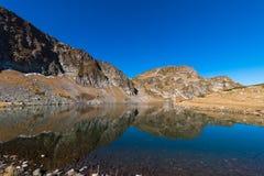 Il lago kidney è uno dei sette laghi Rila Montagna di Rila, Fotografia Stock Libera da Diritti