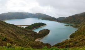 Il lago Lagoa fa Fogo Fotografia Stock