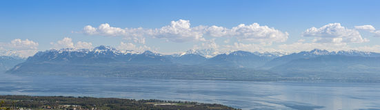 Il lago Lemano ed alpi svizzere panoramici Immagine Stock Libera da Diritti