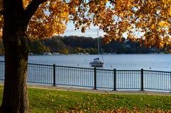Il lago Lemano, WI, acero, barca a vela Fotografia Stock