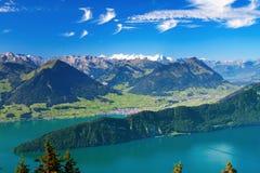 Il lago Lucerna e Pilatus alza da Rigi in alpi svizzere Fotografie Stock