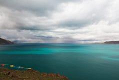 Il lago nel Tibet Fotografie Stock Libere da Diritti