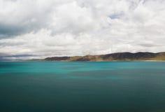 Il lago nel Tibet Fotografia Stock
