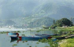 Il lago Phewa è il lago secondo più esteso nel Nepal Fotografia Stock Libera da Diritti