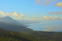 Il lago Tahoe California e catena montuosa Immagine Stock