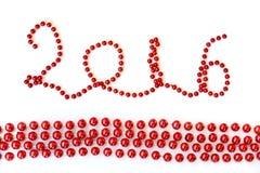 2016, il lamé rosso di natale borda l'ornamento isolato su bianco Fotografia Stock Libera da Diritti
