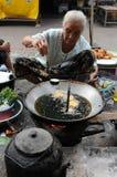 Il Laos del nord: Pesce arrostito e carne al mercato di Luang Prabang Fotografia Stock Libera da Diritti