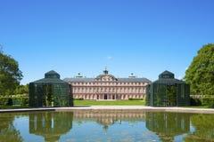 Il lato del giardino del castello della residenza in Rastatt Fotografie Stock Libere da Diritti
