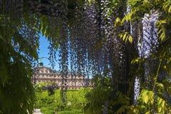 Il lato del giardino del castello della residenza in Rastatt Immagini Stock
