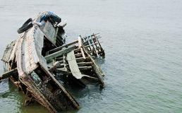 Il lavandino della nave nel mare Fotografie Stock