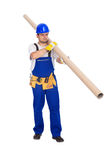 Il lavoratore porta il tubo lungo Fotografia Stock Libera da Diritti
