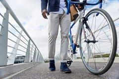 Il lavoro dei pantaloni a vita bassa permuta Fotografia Stock