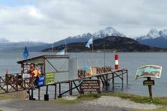 Il le plus du sud au monde le courrier sur les banques du canal de briquet en parc national de Tierra del Fuego Images libres de droits