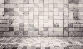 Il lerciume e l'annata disegnano il fondo di struttura della parete e del pavimento della tegola di cemento armato Immagine Stock