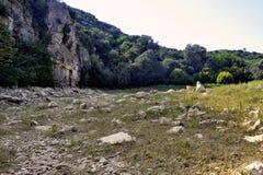 Il letto del fiume Gardon completamente asciutto Fotografie Stock Libere da Diritti
