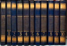Il libro classico Insieme dei libri d'annata nell'ordine Libri numerati Immagine Stock Libera da Diritti
