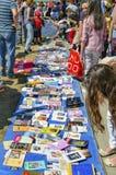 Il libro della biblioteca del parco di Gezi viene alle concessioni, ottiene liberamente Immagini Stock Libere da Diritti