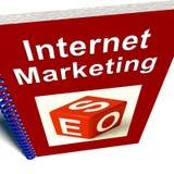 Il libro di vendita del Internet mostra SEO Immagini Stock