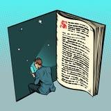 Il libro elettronico, un uomo legge il testo online illustrazione di stock