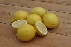 Il limone del taglio Fotografie Stock