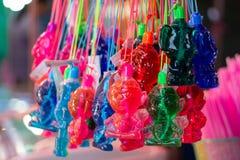 Il liquido per fa la bolla in bambole immagini stock libere da diritti