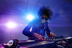Il locale notturno DJ party Fotografia Stock Libera da Diritti