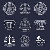 Il logos dello studio legale ha messo con la bilancia della giustizia, le illustrazioni del martelletto ecc L'avvocato d'annata d Fotografia Stock