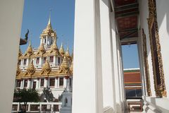 Il Loha Prasat o castello del metallo in Wat Ratchanatdaram Woravihan Fotografia Stock