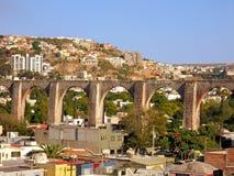 Il Los Arcos (aquedotto) di Queretaro, Messico. immagine stock
