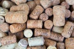 Il lotto di vino tappa il fondo Fotografia Stock Libera da Diritti
