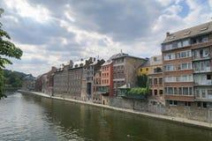 Il lungomare di Namur sul fiume Meuse immagini stock
