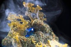 Il macro dettaglio dei nugs e della marijuana della cannabis concentra aka SH Fotografia Stock Libera da Diritti