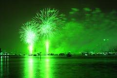 Il Macy quarto delle visualizzazioni dei fuochi d'artificio di luglio Immagine Stock