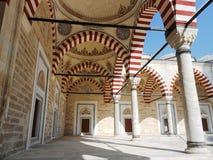 Il madrasa di Konya Mevlana, hes il solo ecclesiastico è arrivato in questo mondo qualunque cosa, pensatore Fotografie Stock