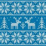 Il maglione bianco e blu con i cervi vector l'ornamento Fotografie Stock Libere da Diritti